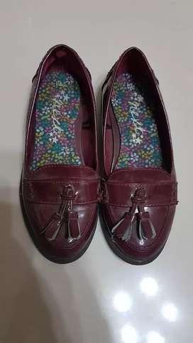 Sepatu fashion anak size 5