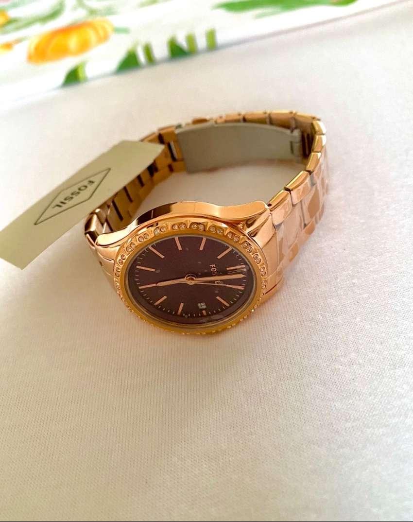Jam tangan wanita Fossil original. Beli di LN