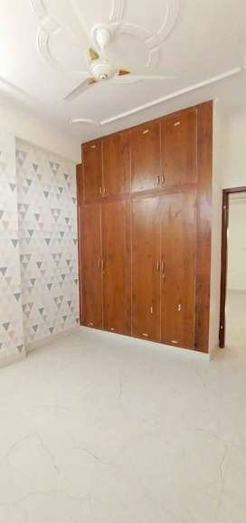 #3bhk flat avalible for sale nd ready to sift...