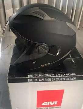 Helm Givi Presto