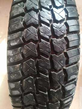 TYRE for sale (jeep tyre)