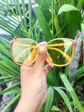 Kacamata vintage merk Rodenstock Cori