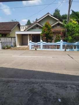 Dikontrakkan rumah murah, luas & nyaman di Jatinegara Tegal