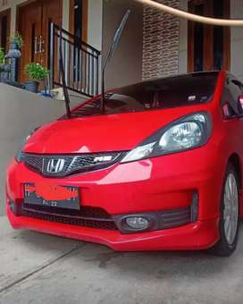Jazz  RS 2014 merah