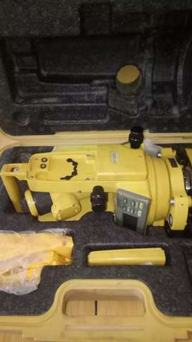 Total station Topcon GTS 235