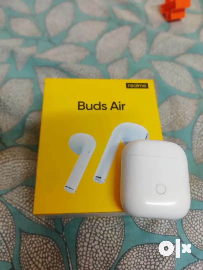 Realme buds air (1 month) 0
