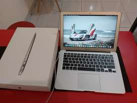 "Macbook Air 13"" Mulus Normal"