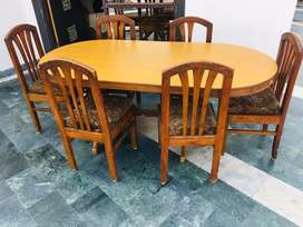 6 seater dinning table with well condition