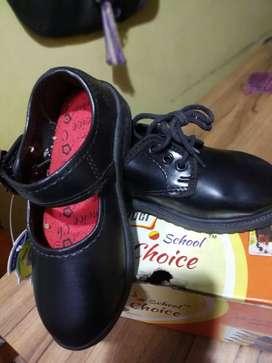 School shoe lot 100 pc