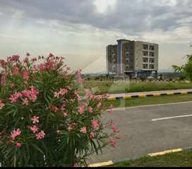 University Town Block D 5 Marla plot available for sale