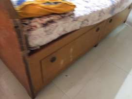 Queen size bed with box without matteress