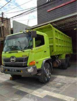 Hino Lohan 500 FM 260JD 2017 Dump Truck barang like new