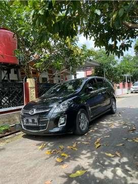 Mazda 8 matic hitam terawat captain seat