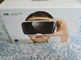 One Plus Zeiss VR headset