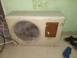 Lg 1.5 ton outdoor only 100% condition fully cooper