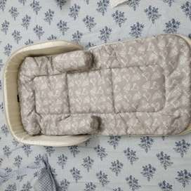 R for rabbit baby bed