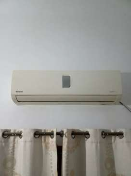 Orient 1.5 ton split AC in good working codition
