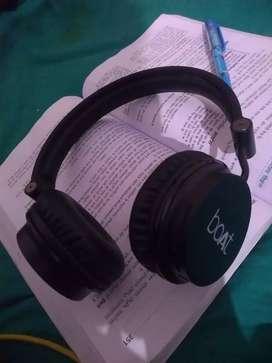 BOAT ROKERZ 400 wireless headphone
