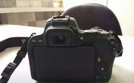 Canon camera 200d width to length new condition
