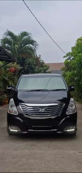 Hyundai H1 diesel at hitam 2014 facelift kinyiss..
