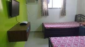 PG paying guest flats are available in marol / jb nagar chakala metro