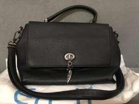 Di jual tas wanita merek EN-ji BLACK