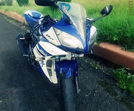 R15 V2 Awesome condition