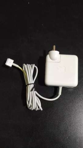 offer Apple laptop macbook charger oruginal