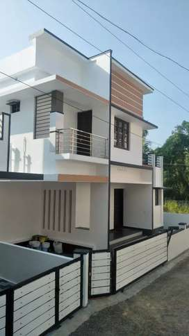 New Villa in Udhyamperoor with well water and car park8ng