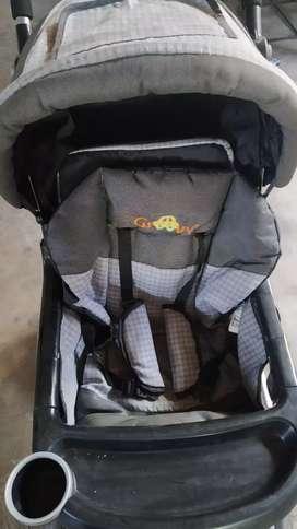 Kereta dorong bayi kondisi bagus di pakai sebentar