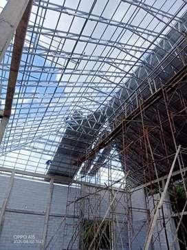 Pemasangan rangka atap baja ringan terpasang