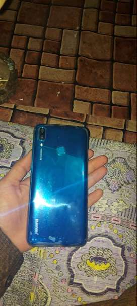Y7prime 2019 for sale 3GB ram 32GB memeory