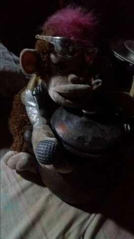 Monkey peluk kendi lawasan