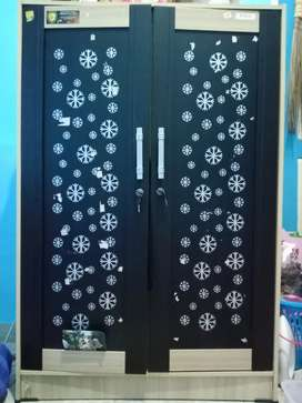 Lemari minimalis 2 pintu