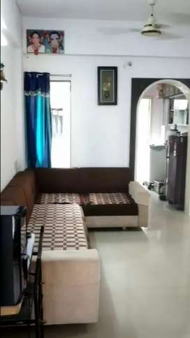 2 BHK Flat fully furnished ready to move road touch property