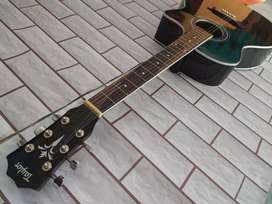 Gitar akustik custom suara nyaring