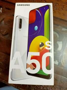 Samsung A50s 4gb 128gb..sealed box