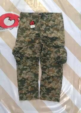 Celana camo Gap Army