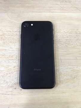 I phone 7 32gb matte black color