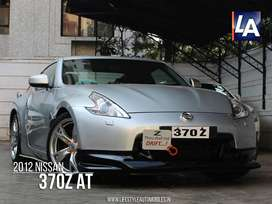 Nissan Others, 2012, Petrol