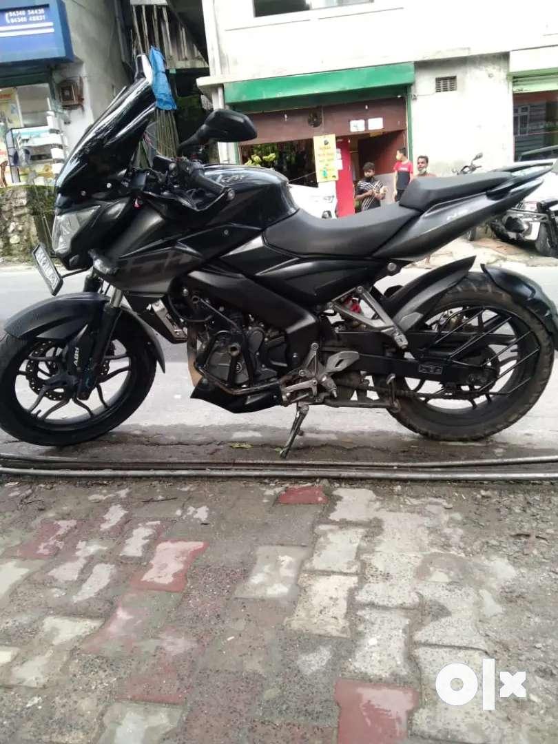 Pulsar ns200 bs6 abs bike