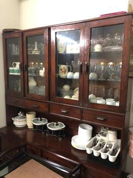 Wooden cabinet for crockery