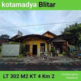 Rumah strategis di pusat kota Blitar