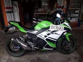 Kawasaki Ninja 250CC 30th anniversary (limited edition)