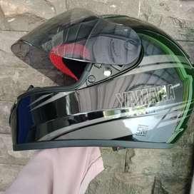 Helm Yamaha full face baru