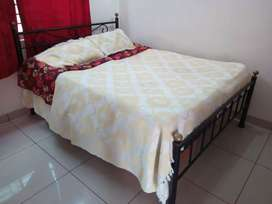 Iron made king size bed