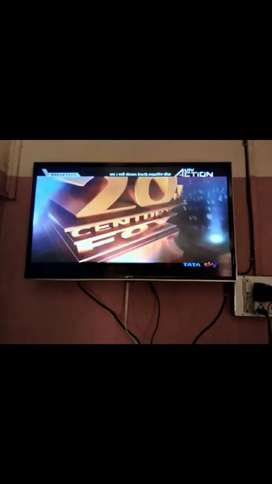 Micromax TV 3 years old 32inch new condition not even used much.