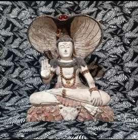 Patung kayu dewa