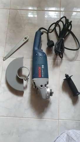 BOSCH cutting machine Rs .13000