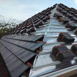 Rangka atap baja ringan dengan atap genteng keramik